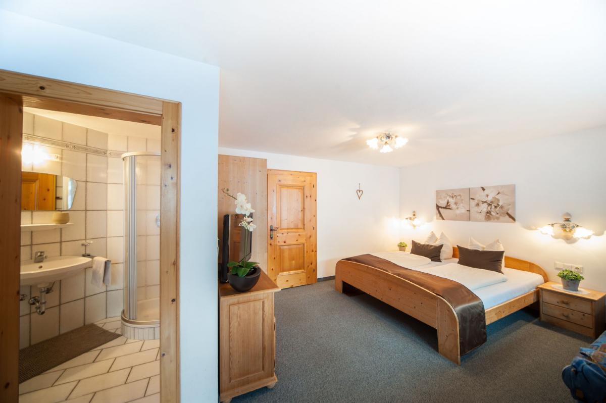 Ремонт квартир, домов под ключ. Профессионально осуществляем ремонт домов, квартир. Качественно в срок и по доступным ценам.