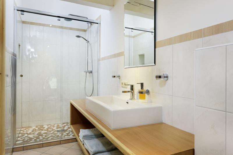 Badezimmer Ferienwohnung.jpg