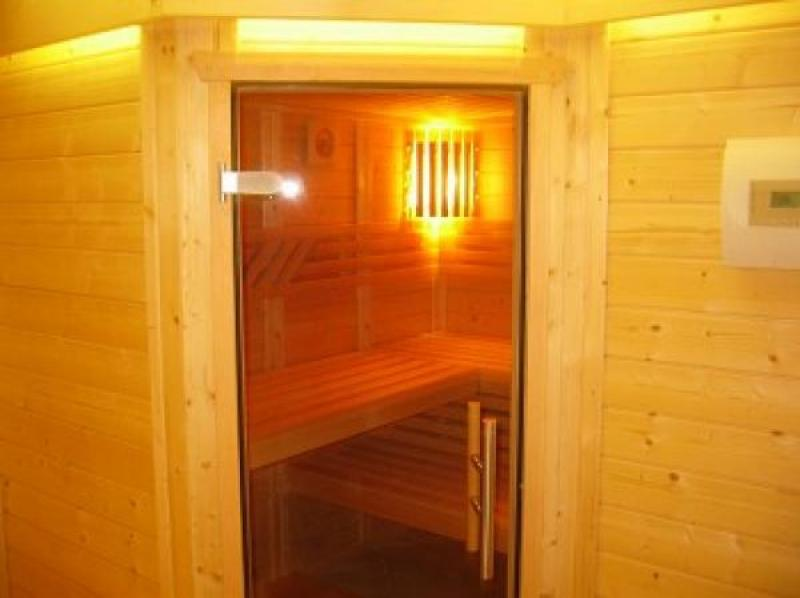 Alpine cabin / chalet indoor swimming-pool